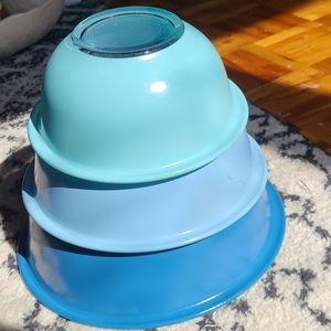 Moody blues pyrex glass nesting bowls